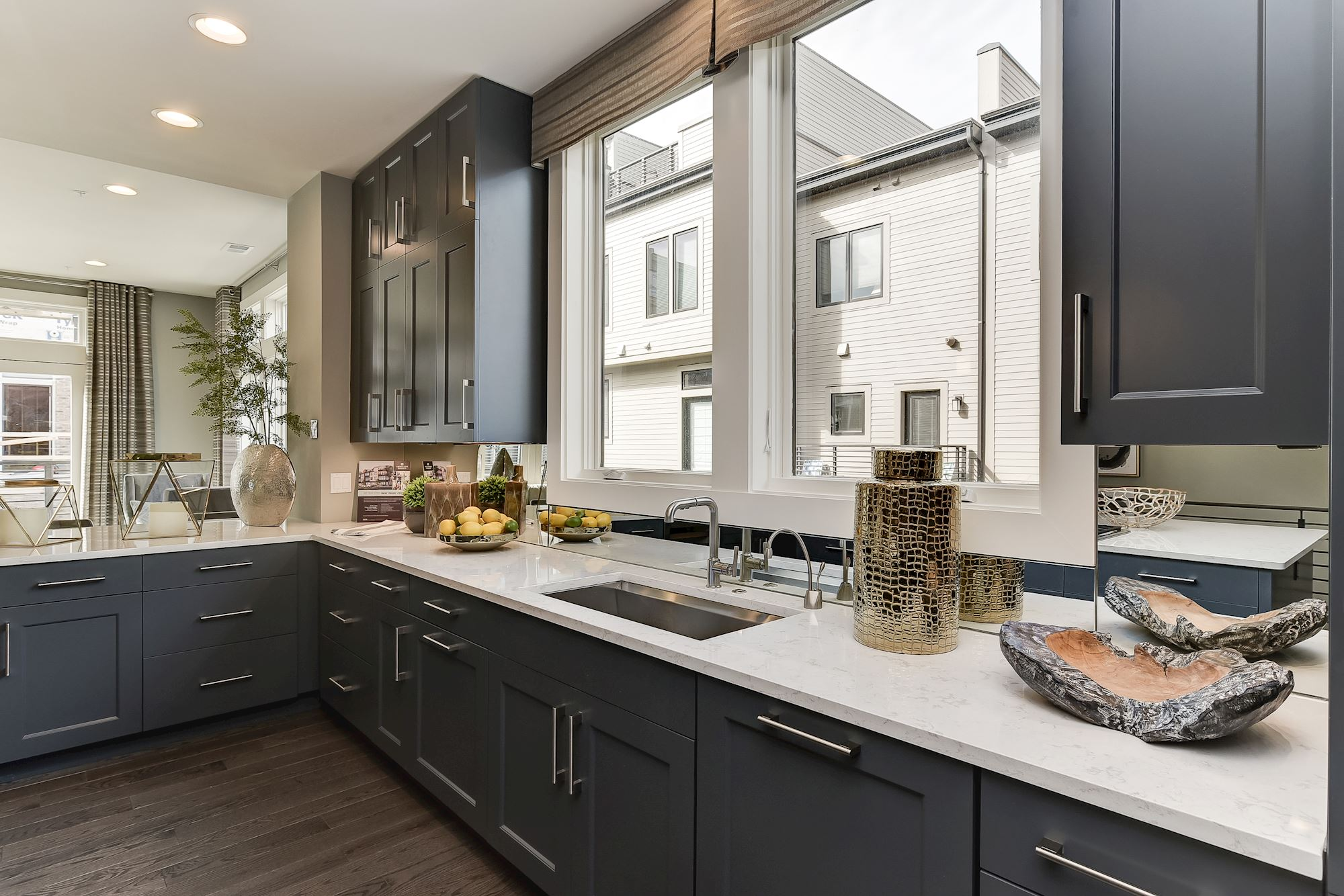 Additional photo for property listing at Grosvenor Heights-The Cameron Townhome 5315 Merriam Street Bethesda, Maryland 20814 United States