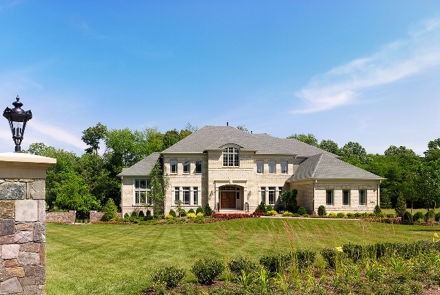 Single Family for Sale at Fallsgate-Winthrop 1052 Hanchel Terrace Great Falls, Virginia 22066 United States